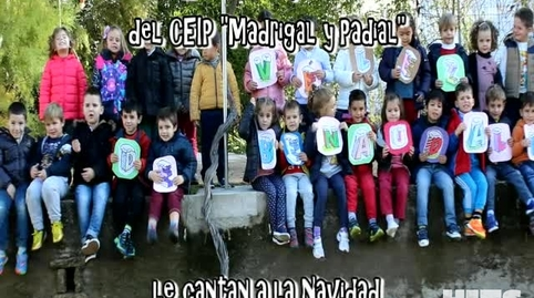 Los niños y niñas de Vélez de Benaudalla cantan a la Navidad