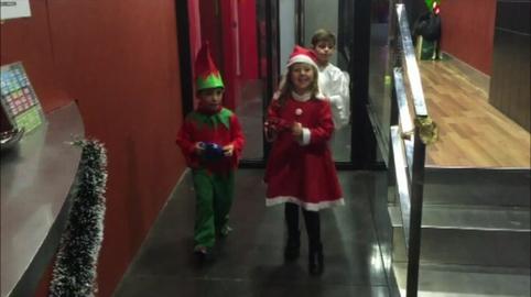 Sala 17 felicita la Navidad a todos los Andaluces