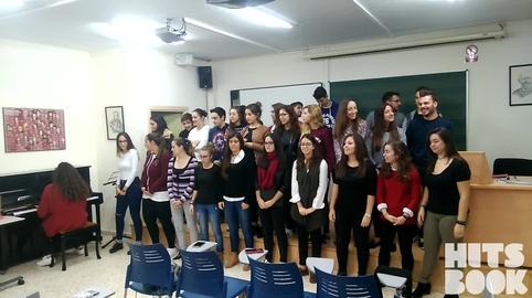 Así es como canta la facultad de Cádiz a ritmo de villancico