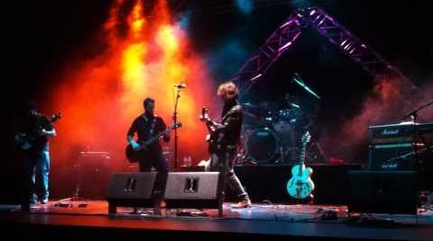 La pequeña historia de Mr. Rock'n'Roll (Histeria Innokua en el Teatro Caja Granada - 14/10/2011)