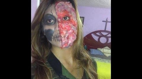 Maquillaje halloween mitad calavera y mitad quemada #FashionHalloween