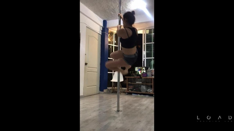 Ejercitándome con pole fitness #FITCHALLENGE