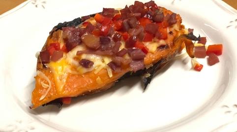 Batata al horno con toppings